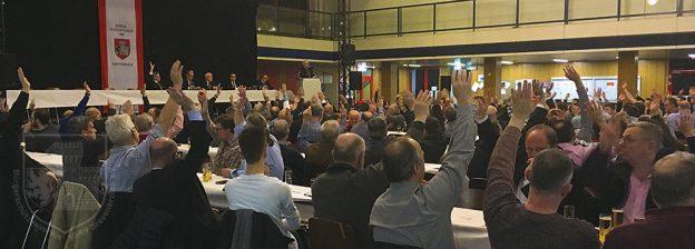 Abstimmung bei der Jahreshauptversammlng 2018 im Pascal-Gymnasium.