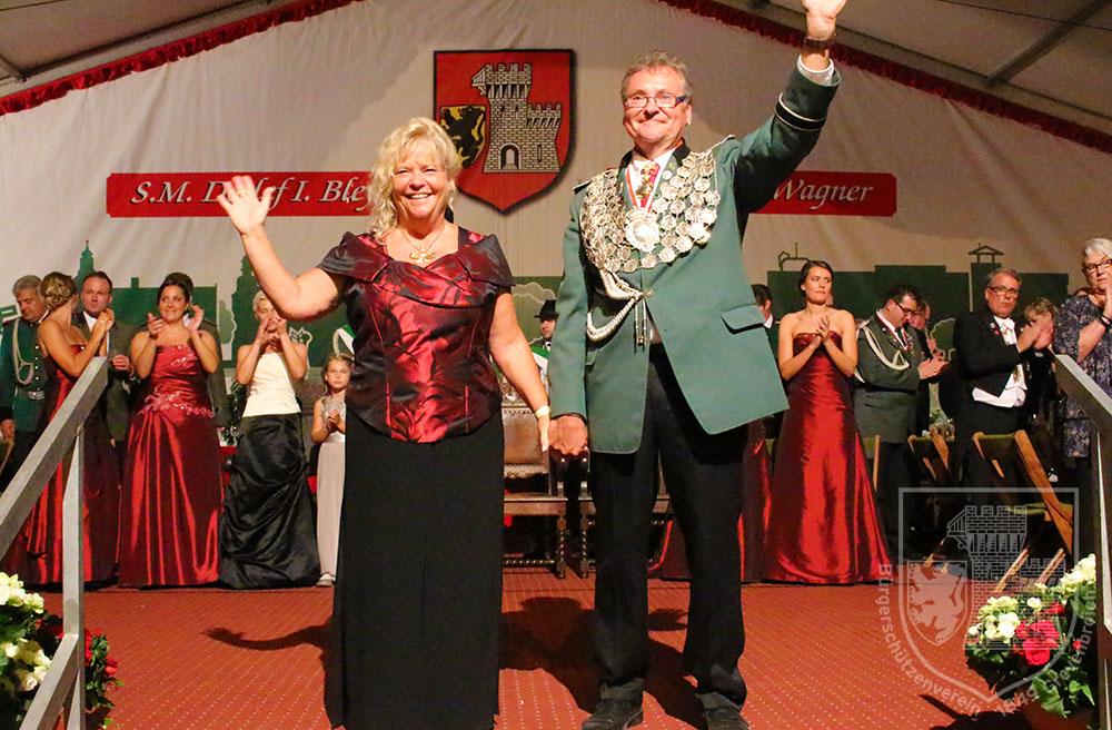 Das neue Grevenbroicher Königspaar: Detlef Bley und Monika Wagner stehen vor zwölf ereignisreichen Monaten. Bley gilt als Anwärter für das Amt des BSV-Präsidenten.