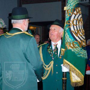 Übergabe der Regimentsfahne von Oberst Willi Schäfer 2006.