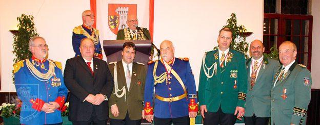 Die bisherigen Träger des Grevenbroicher Oberstordens.
