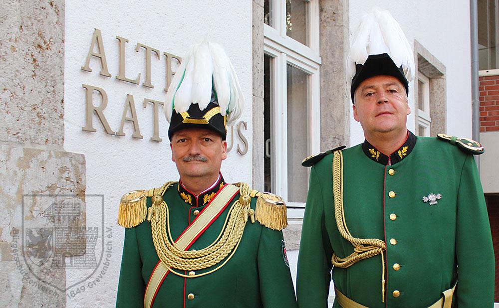 Oberst Stefan Sürth und Oberstadjutant Dr. Robert Kamps.