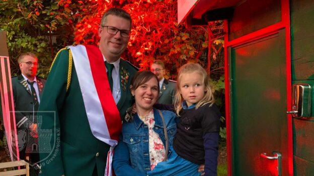 Das neue Kronprinzenpaar Daniel und Carmen Tockhorn mit Tochter Isabel